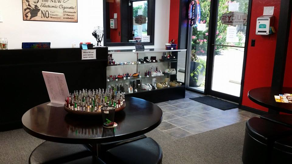 Juicy's Vapor Lounge Emporia